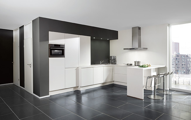 Zwarte keuken met wit blad - Eiland zwarte bad ...