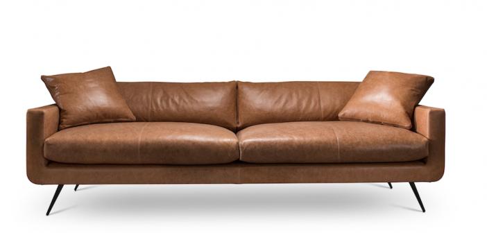 cognac kleurige zitbank van verellen. Black Bedroom Furniture Sets. Home Design Ideas