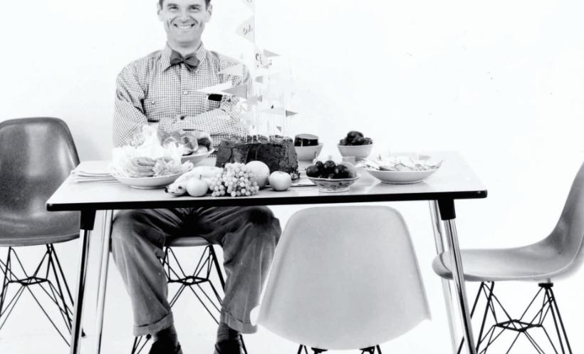 Het verhaal achter de 'Eames Plastic Side Chair'