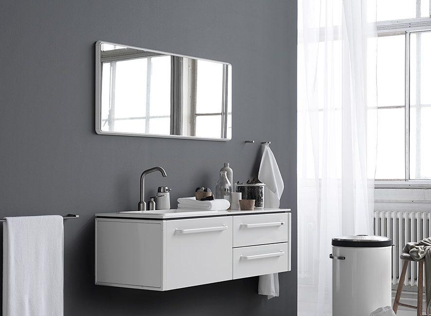 Badkamer Accessoires Vipp : Opgeruimde badkamer met vipp
