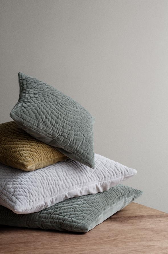 fluweel voor een winter in stijl actief wonen. Black Bedroom Furniture Sets. Home Design Ideas