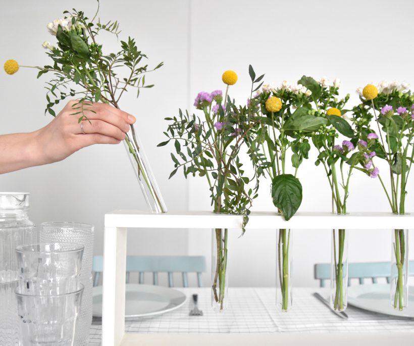 DIY: Een fleurig tafelsierstuk