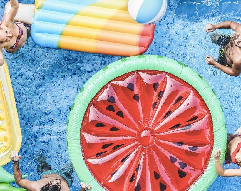 6 tips voor een geslaagde pool party