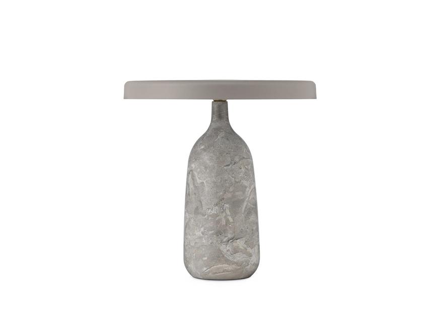 tafellamp van marmer en staal normann copenhagen