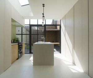 VOOR & NA: een frisse en moderne keukenrenovatie in Mechelen