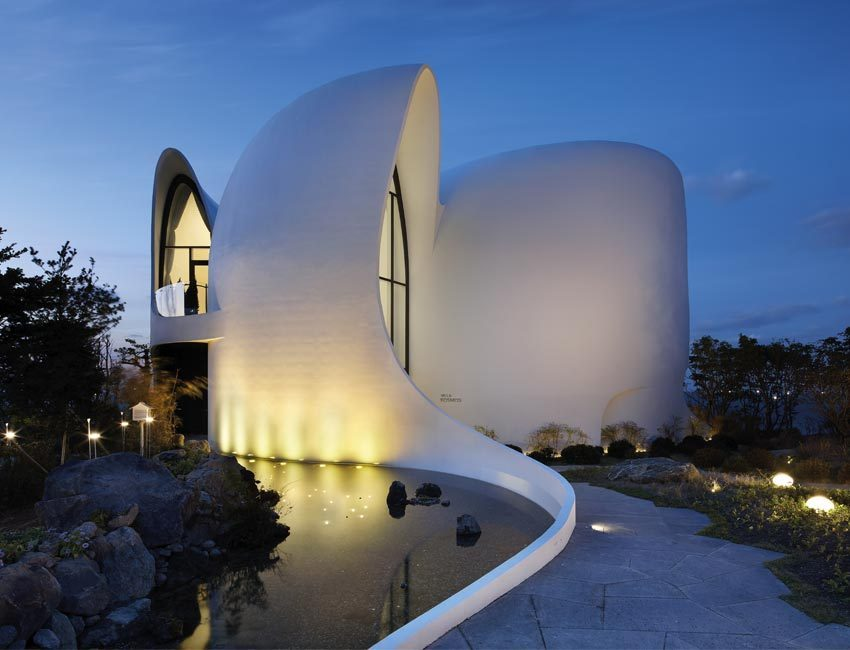 futuristische architectuur healing stay kosmos designhotel