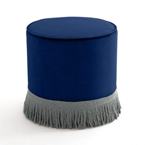 poef met franjes nachtblauw pantone kleur van het jaar