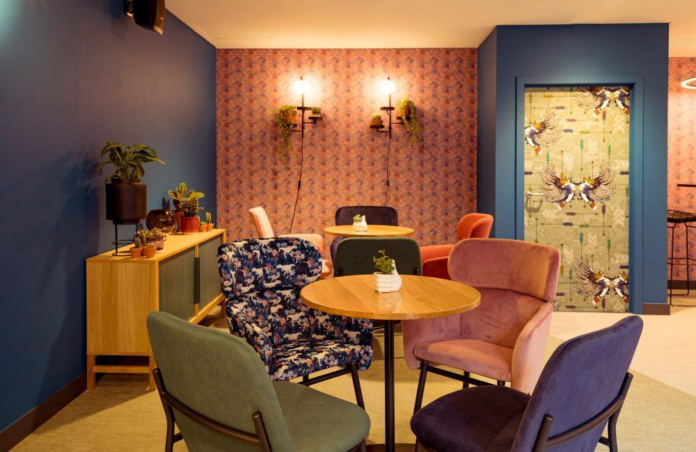 Zien: het kleurrijke en gloednieuwe Qbic hotel in Brussel