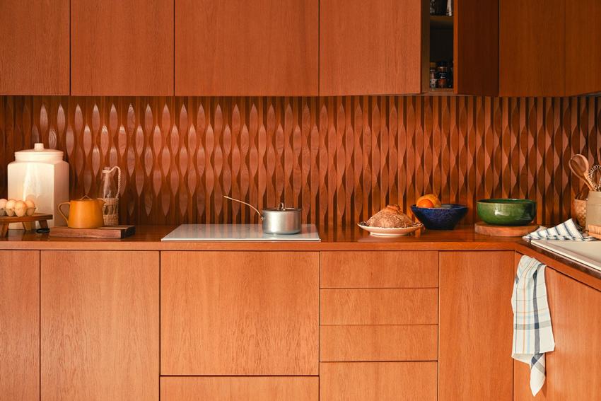 keuken-zara-home-monochroom-houtwerk-seventies-lentecollectie
