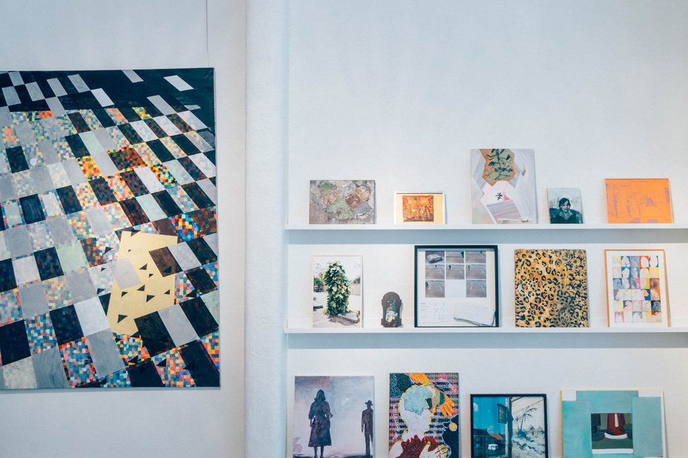 Schilderijen worden tentoon gesteld