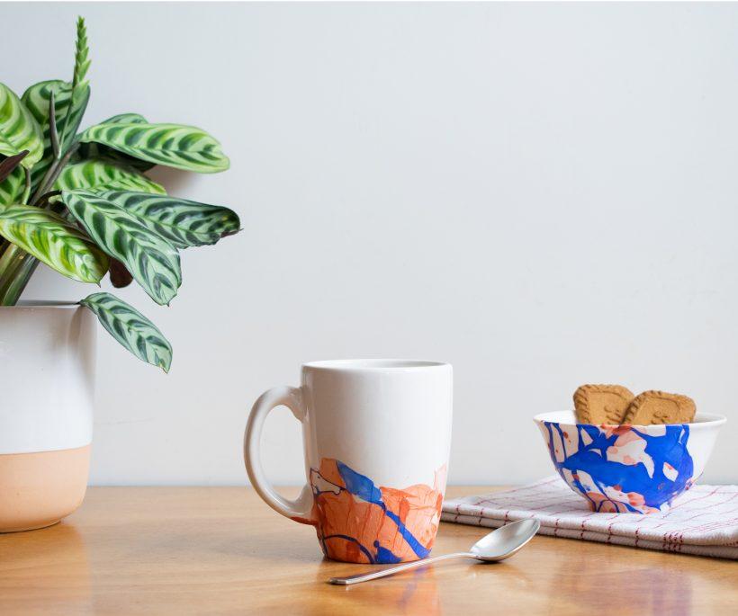 DIY: verfraai je oud servies met wat artistieke patronen