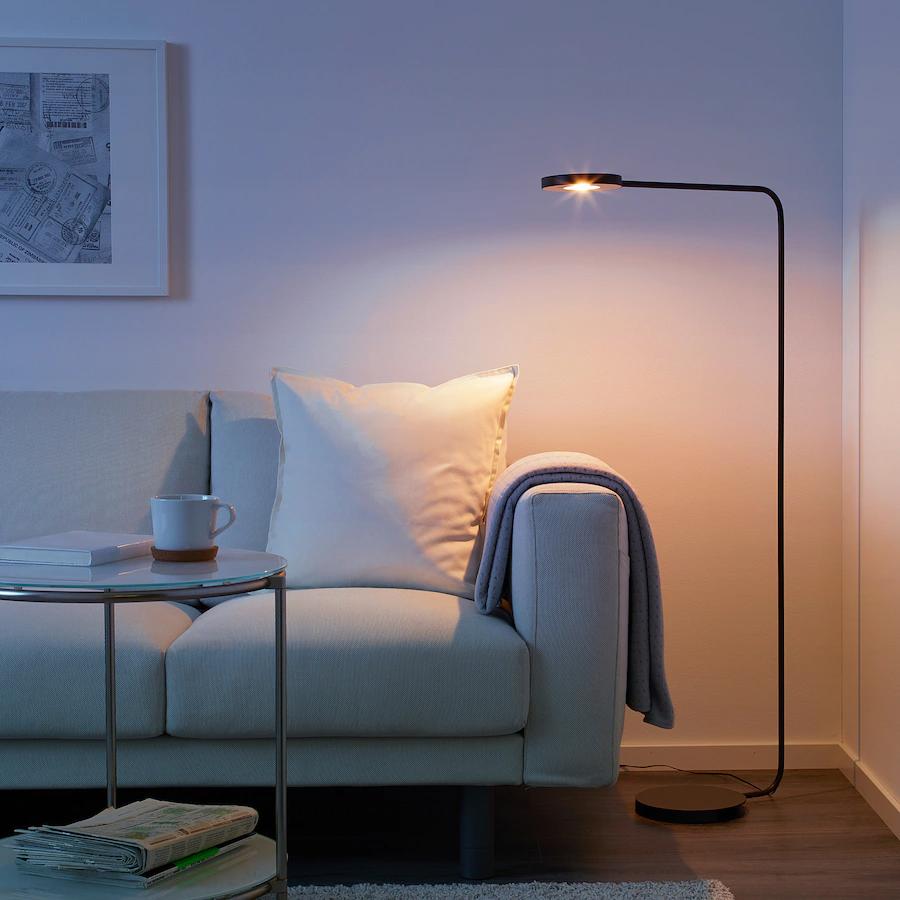 YPPERLIG, Staande led-lamp, donkergrijs - €49,99